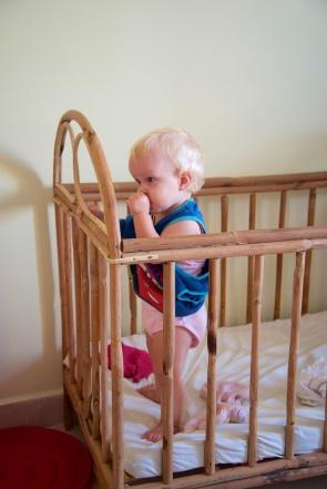 Ik mag vandaag Micha's pyjama-shirt aan, speciaal omdat ik jarig ben!